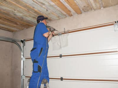 garage doors repairs in Narre Warren
